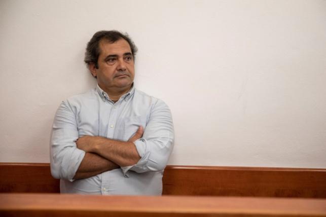 חוליו דה לה גווארדיה בבית משפט