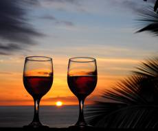 יש אישור: 2 כוסות יין בלילה עוזרות לירידה במשקל