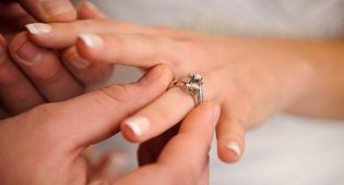 """בית הדין הרבני התיר ל""""כהן"""" להינשא לגרושה"""