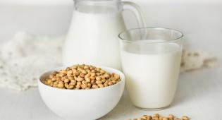חלב סויה - תחליפי חלב יכולים לפגוע בגביהה של הילד