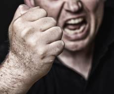 אילוסטרציה - הודיע שיעשן ביום כיפור ואיים על אביו ואמו