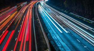 כבישים בבריטניה. ארכיון - עד 2040 לא יהיו בבריטניה תחנות דלק