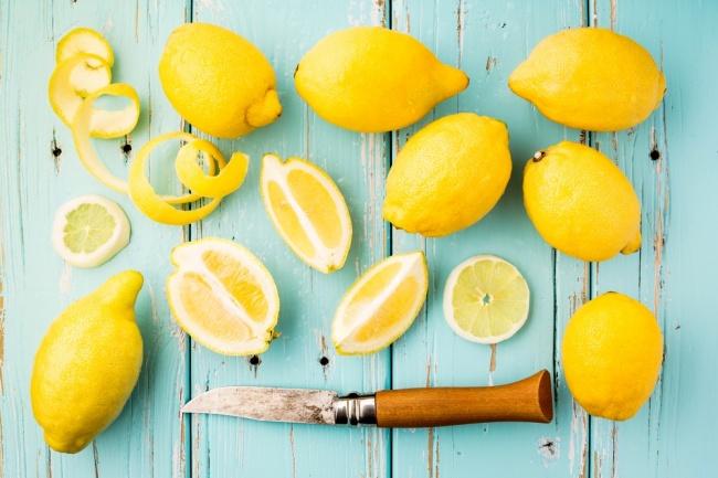 לשמור על לימונים טריים, צהובים ויפים