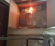 מצית סדרתי בבאר שבע: הצית ארונות חשמל