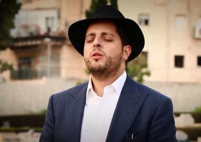 """משה דוויק בשיר על מרן הגר""""ע יוסף זצ""""ל • צפו"""