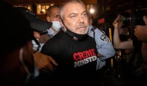 אחד ממנהיגי מחאת השמאל ירוץ עם יעלון
