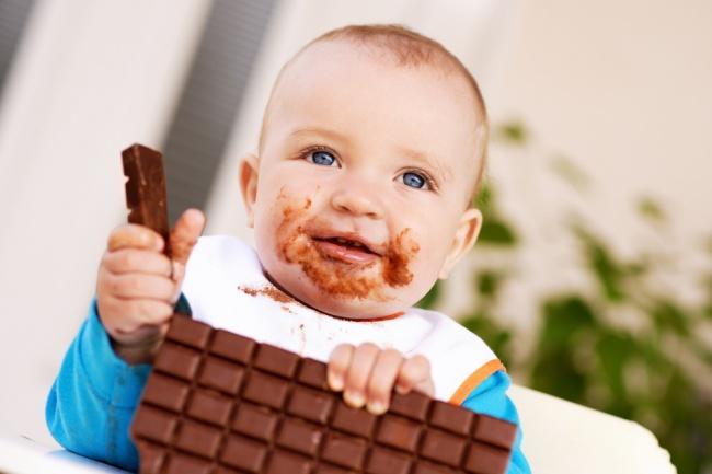 מסתבר שלא חייבים לגדול על חטיפים וממתקים. אילוסטרציה