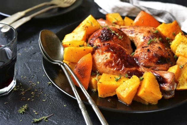 תבשיל עוף עם אפונה ודלורית