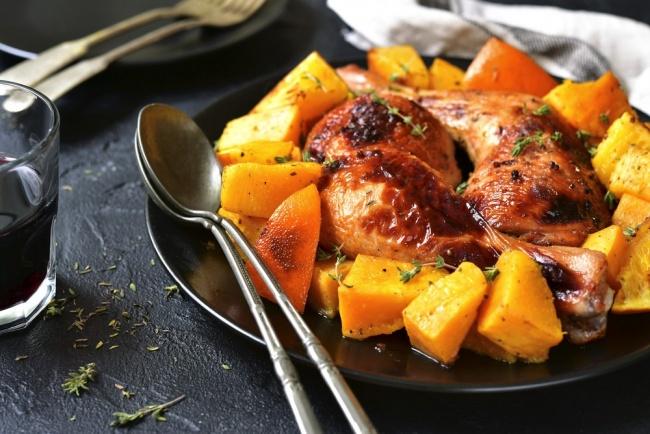 תבשיל עוף עם אפונה ודלורית - ארוחה משפחתית: עוף עם אפונה ודלורית