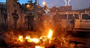 """מהומות בשטחי יו""""ש; הסגר בשטחים הוארך"""
