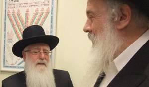 מימין: הרב ירוסלבסקי והרב פינטו