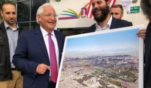 השגריר והתמונה שעוררה סערה - תמונת בית המקדש והשגריר - ההתנצלות