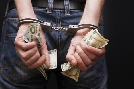 """גנב פרטי כרטיסי אשראי ו""""חגג"""" על חשבון הנגנבים"""