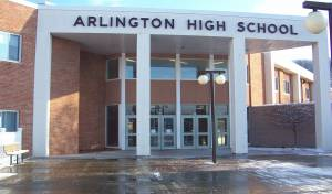 בית ספר ארלינגטון בו רוססו הכתבות