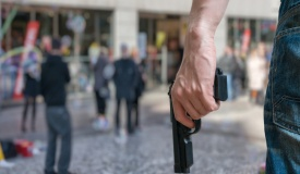 צרפת: חמוש פתח בירי בשוק; שני הרוגים
