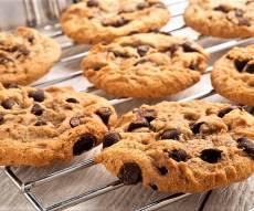 עוגיות שוקולד צ'יפס רכות ולעיסות - עוגיות שוקולד צ'יפס שכיף להכין עם הילדים