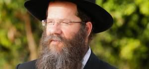 """הרב מאיר אשכנזי - ועד כפר חב""""ד: """"מופתעים מאיומי רב הכפר"""""""
