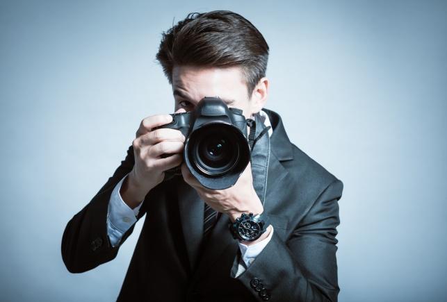 רבני לונדון: צלם לנשים? פרצה גדולה בצניעות