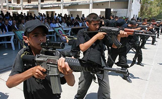 ילדים יורים בקייטנת חמאס