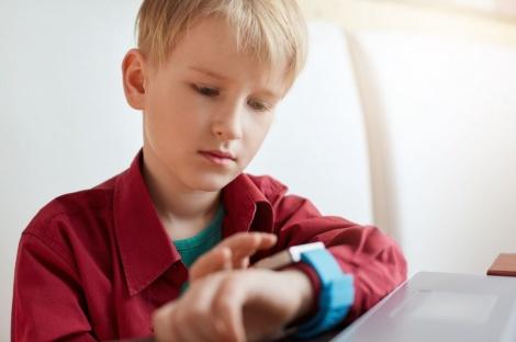 קניתם לילד שעון חכם? תשמידו אותו!