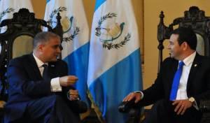 מתי כהן משמאל, בפגישה עם מוראלס