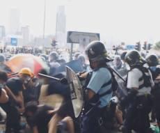 מהומות קשות בהונג קונג; ה'פרלמנט' פונה