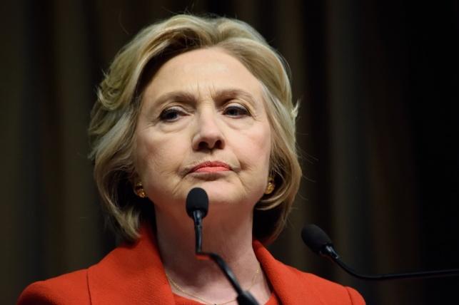 קלינטון מתקיפה: החלטת ה-FBI מטרידה