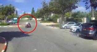 נהג על קטנוע גנוב כשהוא ללא רישיון  ונתפס