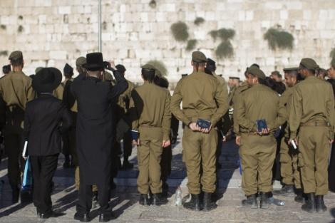 """אילוסטרציה - אם החייל החרדי: """"אם הדת חשובה לכם תתרחקו מהצבא"""""""