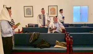 ג'ייסון גרינבלט מציג: תפילת שחרית בבחריין