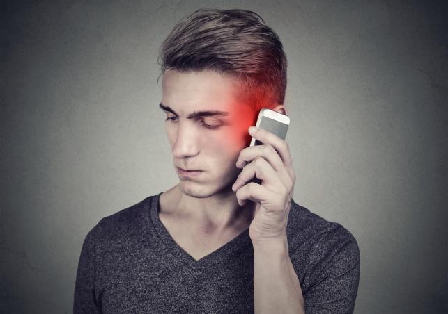 האם יש קשר בין סלולריים לגידול במוח?