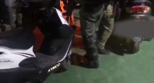 המשטרה עצרה כנופיית גנבי אופנועים • צפו