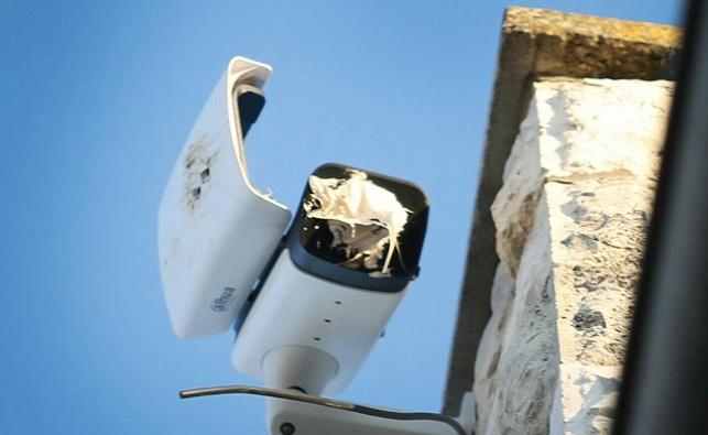 אחת המצלמות שהושחתו
