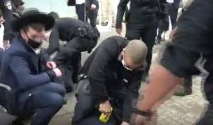 אלימות השוטרים כנגד בחורי 'חברון החדשה'