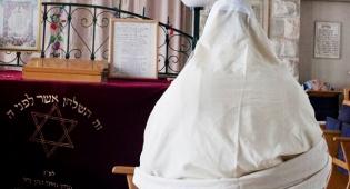 בית כנסת, אילוסטרציה - המדינה תבעה ובית הכנסת 'כתר התורה' יפונה