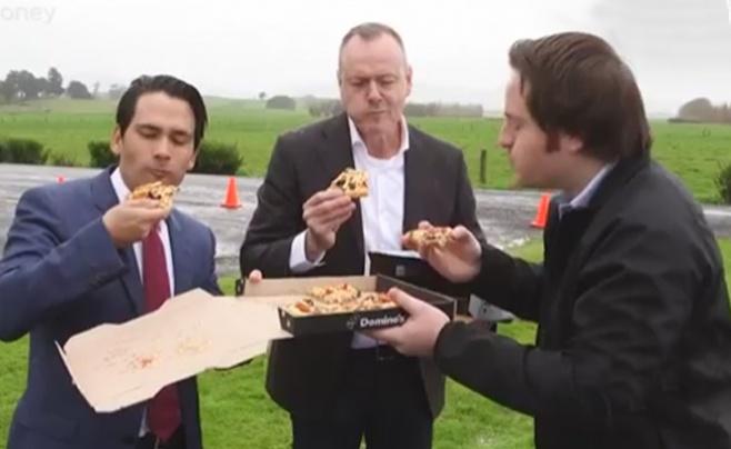 צפו: משלוח הפיצה הראשון בעולם באמצעות רחפן