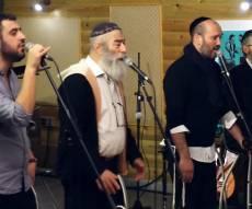 הגלה נא: ארבעה זמרים וביצוע מרגש אחד