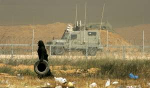 """כוח צה""""ל בגבול עזה - נעצרו מחבלים שניסו לחצות את הגדר מעזה"""