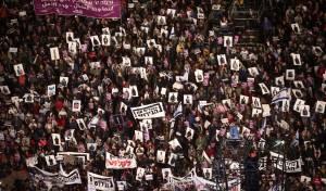 ההפגנה בתל אביב, הערב - עשרות אלפים מפגינים נגד גירוש מסתננים