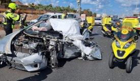 תאונה קטלנית: נהג נלכד ברכב המעוך - ומת