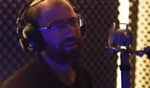 """יקיר גרוסר בסינגל קליפ חדש: """"נחמו עמי"""""""