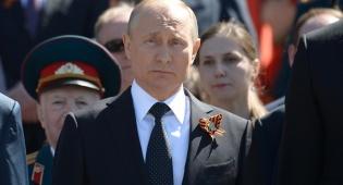 פוטין לוקח צעד קדימה בשליטה על רוסיה