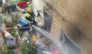 זירת השריפה - אסון בחיפה: אישה בת 50 נשרפה למוות