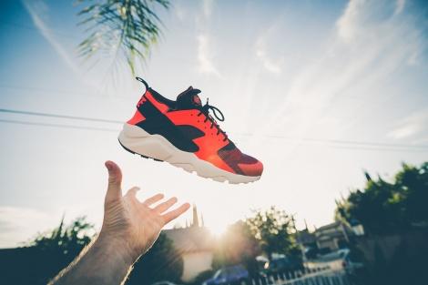 לא עוד ריח רע מנעלי הספורט! - טריק פשוט לנטרול ריחות רעים מנעלי ספורט