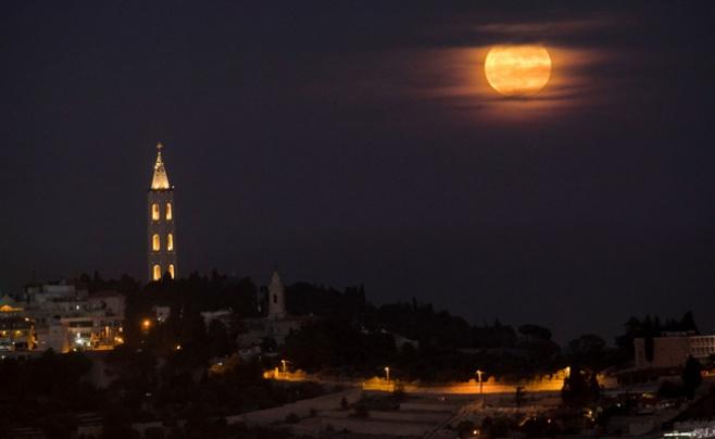 המופע המדהים של הירח | גלריה מיוחדת