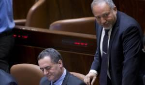 תכנית ה'אי-פרדות' של השר כץ - כץ מאשים: ליברמן מגייס כספים עבור חמאס