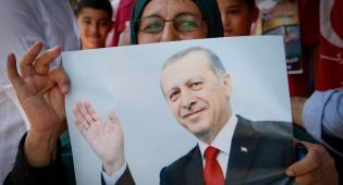 ארדואן, נשיא טורקיה - ארדואן: חוסם את ויקיפדיה ומצנזר טוקבקים