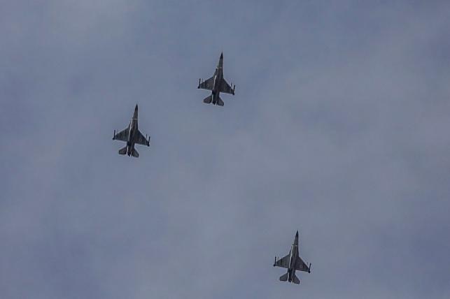 """מטוסי קרב של צה""""ל בטיסה לעבר הרצועה הערב"""