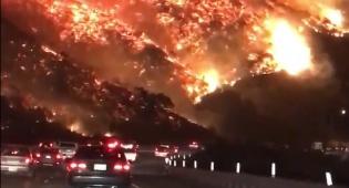 תיעוד מדהים - שריפת ענק משתוללת בלוס אנג'לס  • צפו