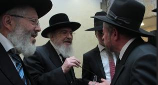 """הרב סקלר משמאל עם ידידו ורבו הגרב""""מ אזרחי"""